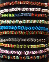 Simple Beaded Daisy Bracelets