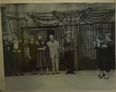 Will Wright, Desi Arnaz, Vivian Vance, Lucille Ball, William Frawley, Tennessee Ernie Ford and the Borden Sisters Teensy and Weensy in I Love Lucy 8x10