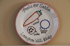 Santa treat plate - Personalised - available as 19cm and 23cm sizes