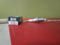 Champion spark plug 956M QC12PEP