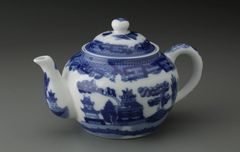 Blue Willow Teapot 16 ounces