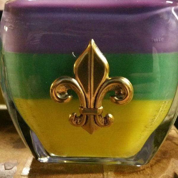 12 Oz Mardi Gras Fleur De Lis Candle Heavenly Scents Candles
