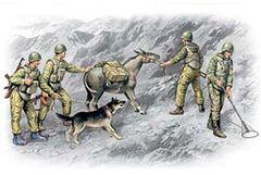 1/35 Soviet Sappers Soviet-Afghan War 1979-88 (4 Figures, Dog & Donkey) - ICM 35031
