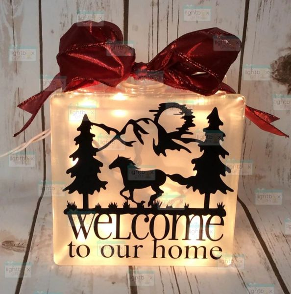 Welcome to our home with horse LightBox