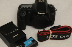 CANON EOS 60D BODY, BATTERY, CHARGER, STRAP, BODY CAP