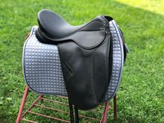"17.5-18"" Dover Pro-ride dressage saddle"