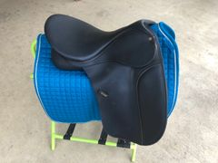 "18"" Wintec dressage"