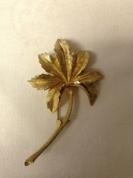 Cora Long Stem Leaf Brooch