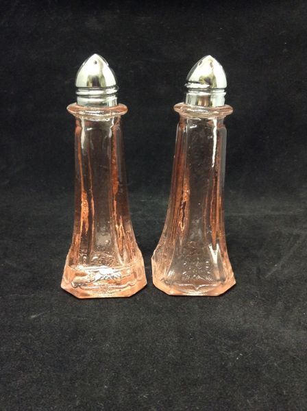 "Pink Peach Glass 4.5"" Salt and Pepper Shakers"