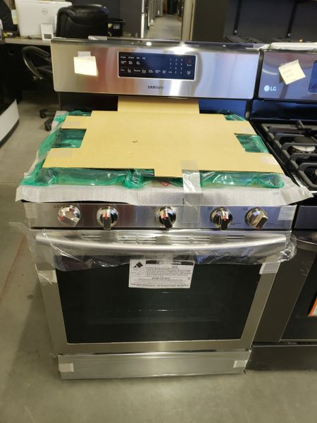 2b1274d4d6b 113026 Samsung 30 in. 5.8 cu. ft. Gas Range with Self-Cleaning and Fan  Convection Oven in Stainless Steel