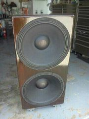 "double 21"" sub . 4,000 watts Sub 22.4 HZ"
