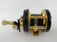 ABU Ambassadeur 5000 C De Luxe EARLY SN. 5009 with 4 SCREW FRAME Gold Reel