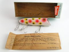Heddon Basser Fishing Lure 8500 S New in Box in Strawberry Spot Wood Classic