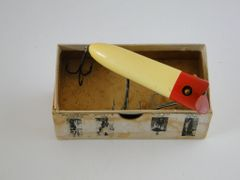 Heddon Lucky 13 Wood Early Fishing Lure in Correct 2500 RH Box