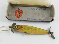 Paw Paw Box Stamped 2512 for Injured Minnow Bait Is Paw Paw Aristocrat Near 4 Inches One Belly Hook