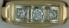 Gentleman's 3/8ctw Three Diamond Band