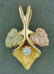 Black Hills Gold 2 Leaf Pendant