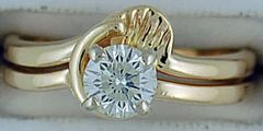 Ladies 5/8ct Diamond Solitaire Wedding Set with a Guard