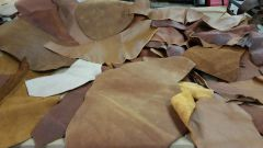leather scraps in a 4-6 oz. weight (nice big piece's) Saddle Tan B-5