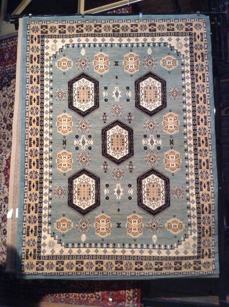 Geometric pattern 8x11 machine made rug