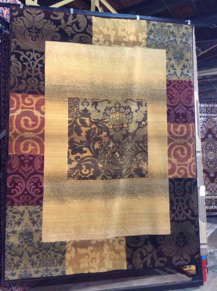 Authentic design 8x11 machine made rug