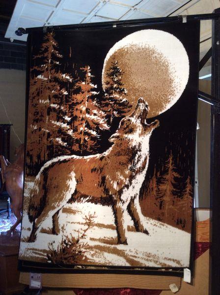 Wolf 5x8 machine-made rug