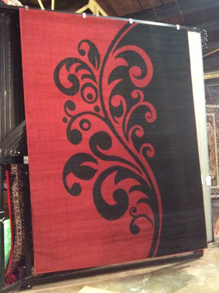 Red/Black Design 8x11 machinemade rug