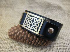 Leather and brass cuff - Celtic Knot