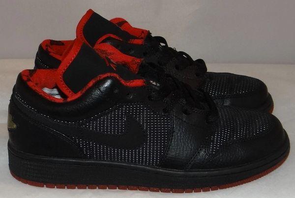 Air Jordan 1 Black/metallic Size 5.5 #3295