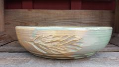 Leaf carved bowl