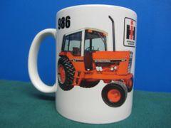 IH 986 Tractor Coffee mug