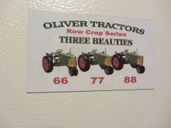 OLIVER RC THREE BEAUTIES Fridge/toolbox magnet