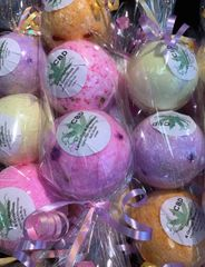 Three Assorted Dual Scented 25mg (Round) Bath Bombs for £10.00 - Special Offer