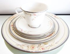 Royal Doulton - Fascination Pattern