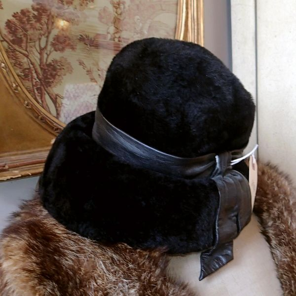 Vintage Women's Black Sheared Beaver Hat w/Leather Trim