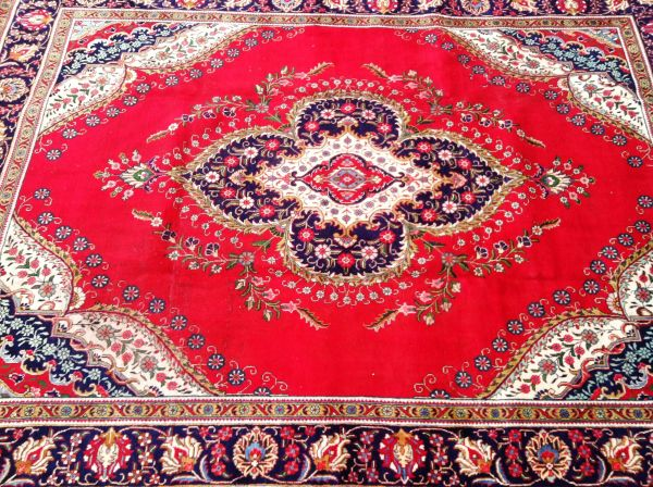 "Iranian Persian Style Hand Knotted Rug, Vintage 7'6""w x 9'9""h"