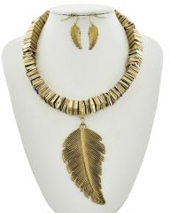 Gold Tone Leaf Pendant Necklace Set