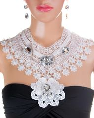 White Lace & Rhinestone Pendant Statement Necklace Set