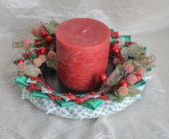 Snow berries Christmas centerpiece