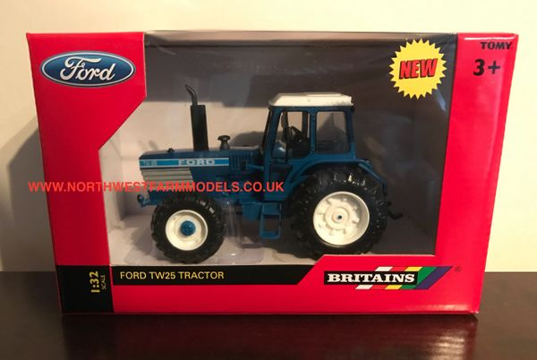 BRITAINS FARM 1/32 SCALE FORD TW25 4WD TRACTOR