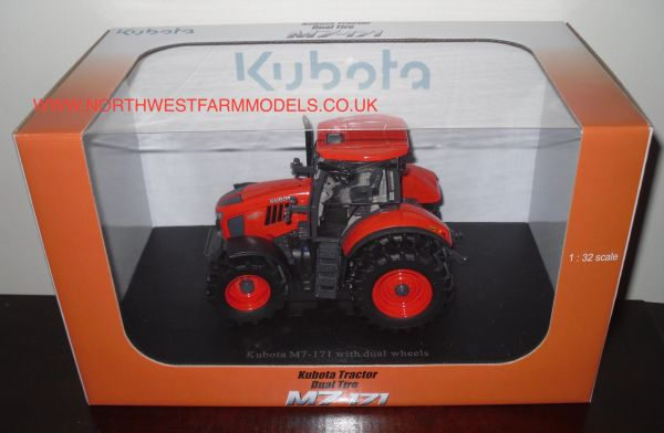 UH4931 UNIVERSAL HOBBIES 1/32 SCALE KUBOTA M7-171 WITH REAR DUALS MODEL TRACTOR (DEALER BOX)