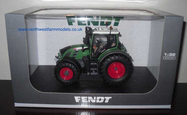 UH4297 Universal Hobbies 1/32 Fendt 724 Vario (2015 Edition)