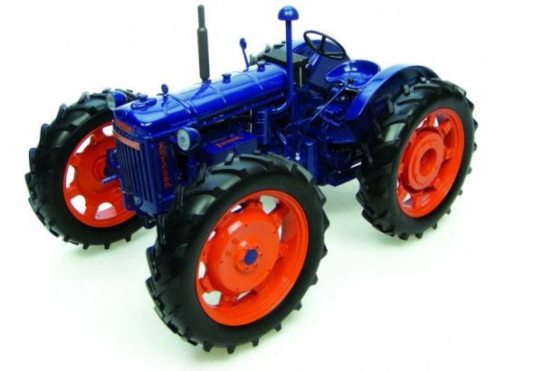 UH2816 UNIVERSAL HOBBIES 1/16 SCALE FORDSON E27N ROADLESS