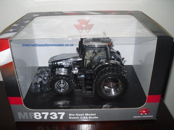 UH4860 1/32 Universal Hobbies Massey Ferguson 8737 (Chrome) Rear Duals Limited Edition 1000