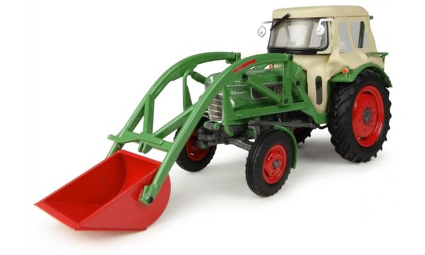 UH4946 UNIVERSAL HOBBIES 1/32 SCALE FENDT FARMER 2 WITH LOADER AND CAB