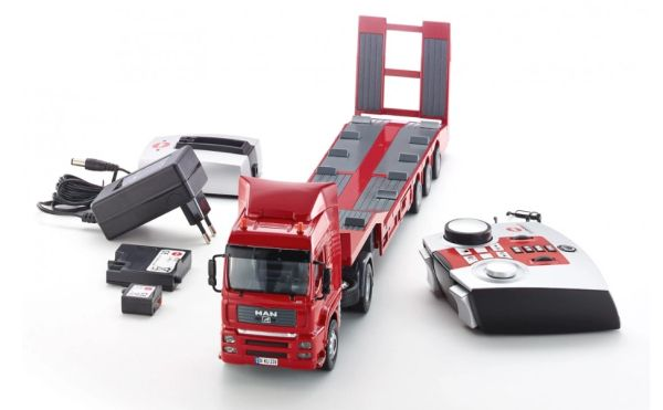 SIKU CONTROL 6721 1/32 SCALE MAN TG-A WITH LOW LOADER (INCLUDES REMOTE CONTROL, BATTERY AND CHARGER)