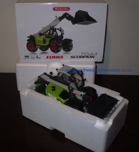 Wiking 1/32 CLAAS Scorpion 7044 Telehandler