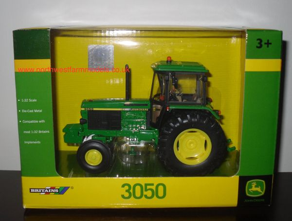 42902 Britains Farm John Deere 3050 Model Tractor