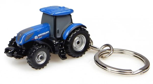 UNIVERSAL HOBBIES NEW HOLLAND T7.225 TRACTOR KEYRING