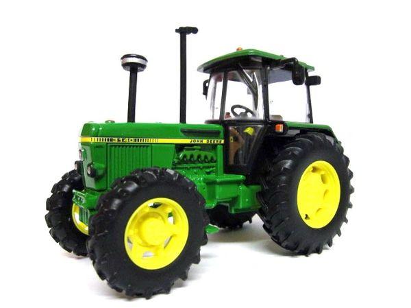 BRITIANS 42996 1:32 SCALE JOHN DEERE 3140 4WD TRACTOR